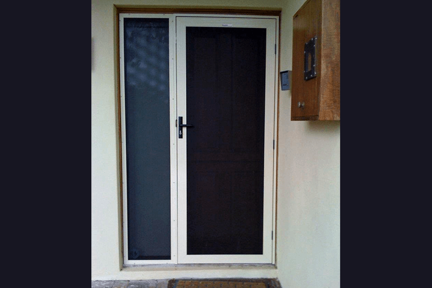 Example of Security Screens for Different Types of Retractable Doors